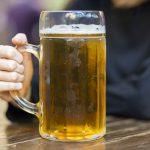 Achetez immédiatement ! Une tasse en verre était attachée à l'ensemble de 6 canettes de Sapporo Ebisu Premium Ale !
